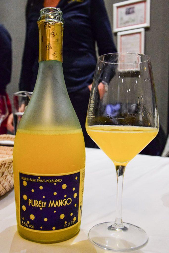 Sweet mango flavoured sparkling wine