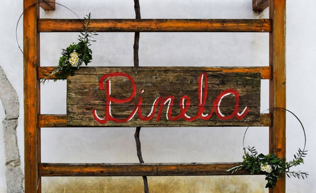 Sign with the name of a type of wine