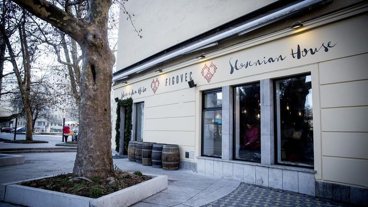 The facade of Slovenska Hiša - Figovec restaurant