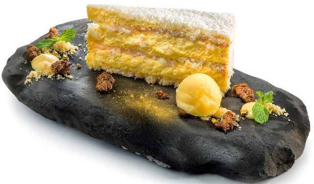 Coconut cake by Restaurant Cubo