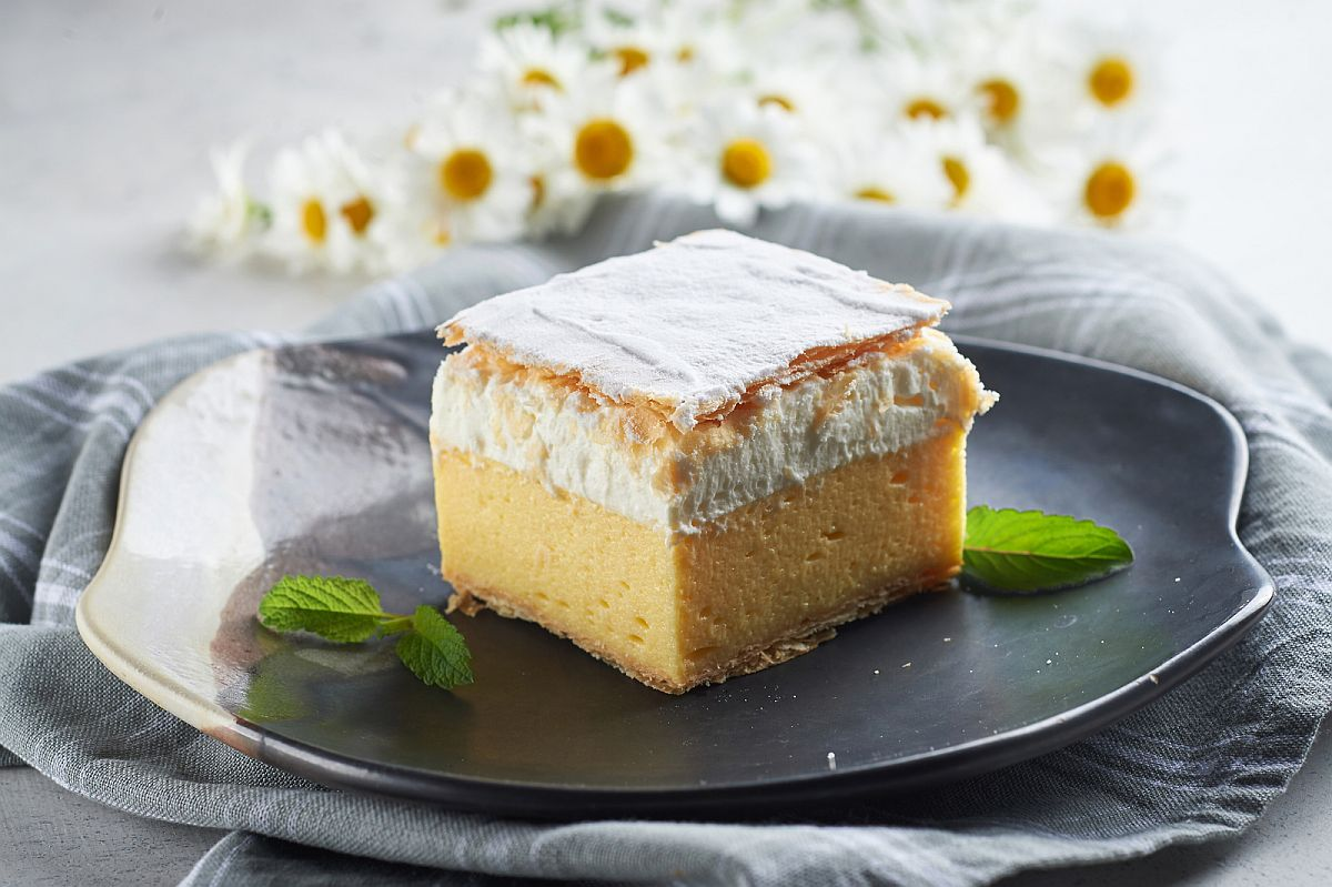 Bled Cream Cake, the symbol of Bled cuisine
