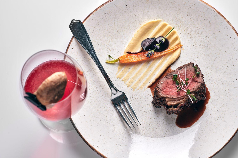 Black Angus steak and G&T Pipa Miru at Gin & Food Pairing with Karakter Distillery at Restaurant 1906 Hotel Triglav Bled
